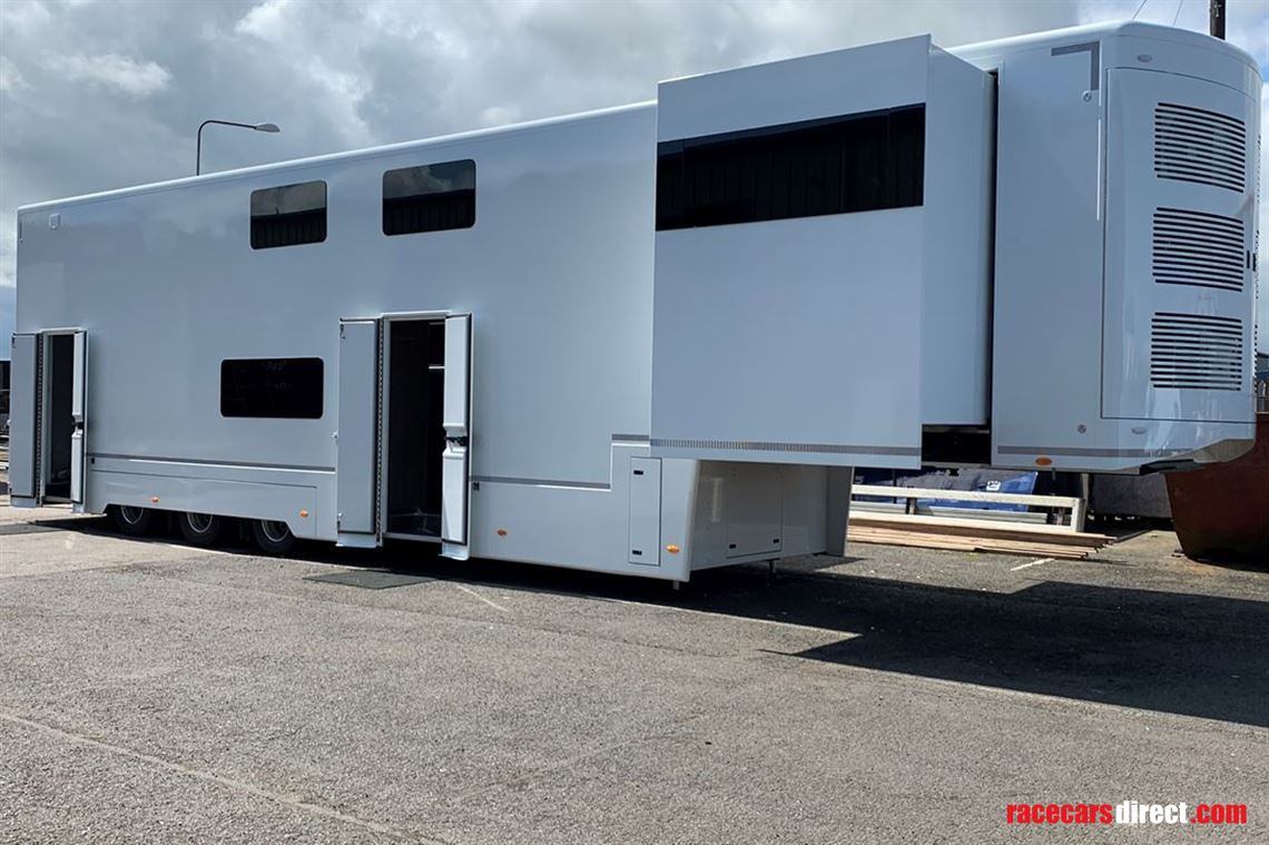 race-trailer-motorhome