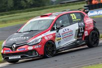 race-winning-gen-4-renault-uk-clio-cup-car