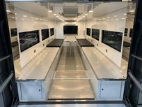 2018-luxury-race-transporter-with-large-day-l
