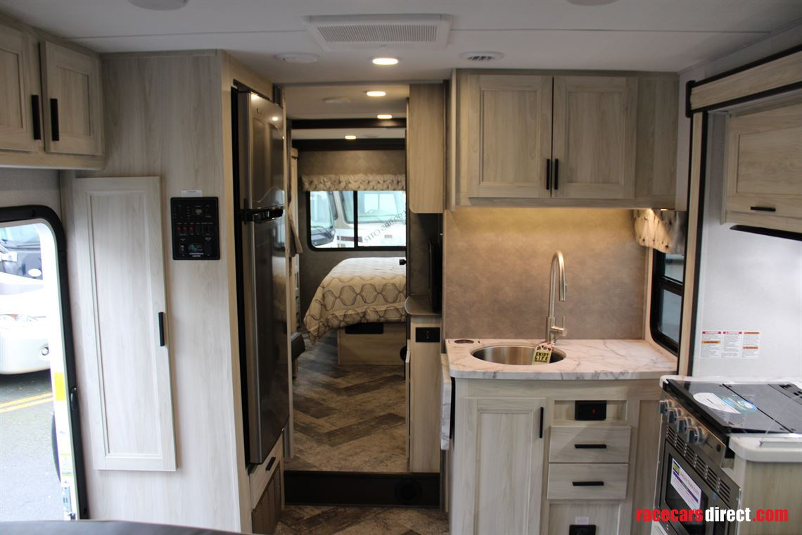 2020-forest-river-sunseeker-3250dsle