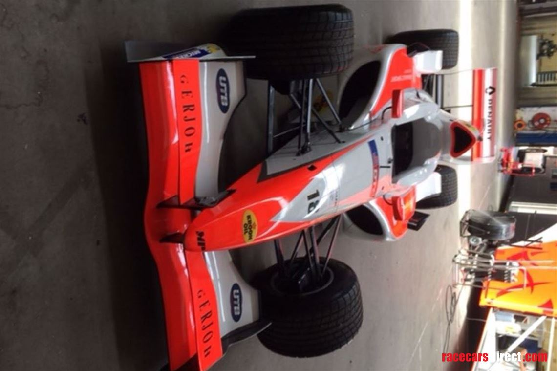 a1gp-car-with-or-without-engine