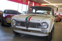 alfa-giulia-ti-super-with-original-dealers-pa