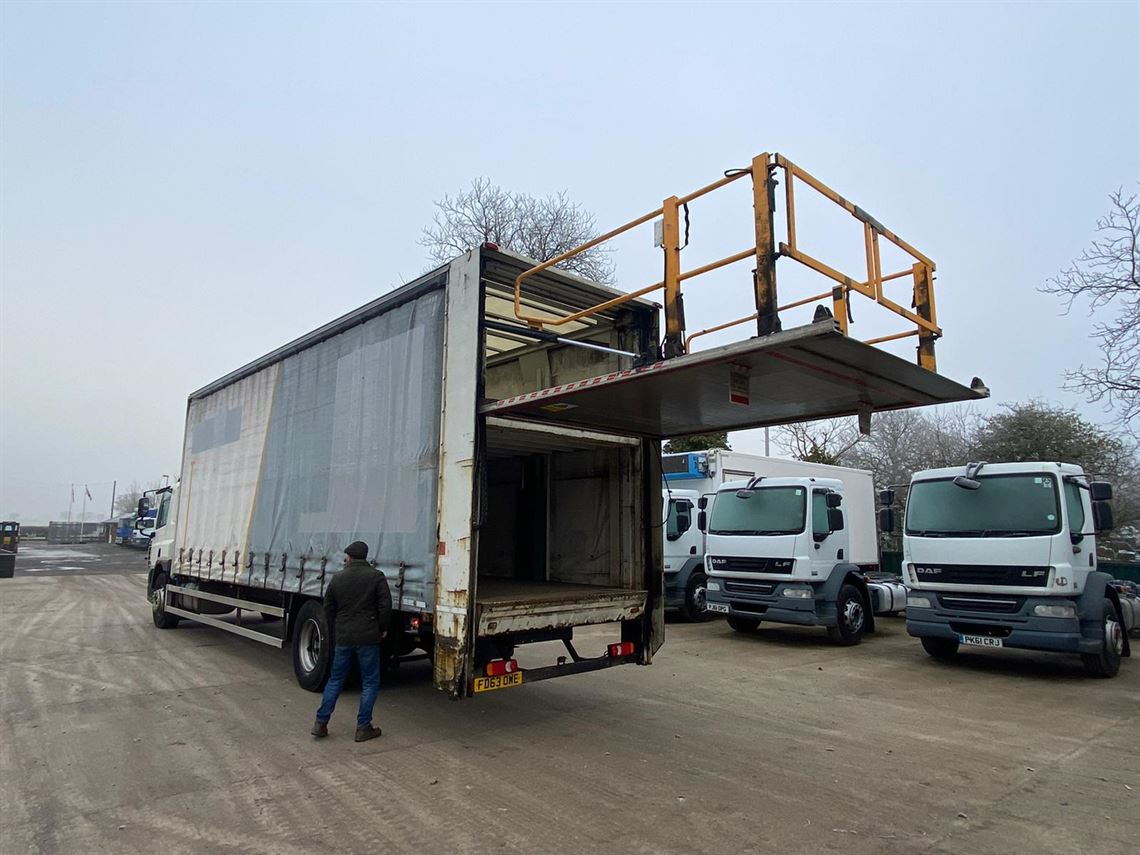 double-deck-4-car-race-transporter