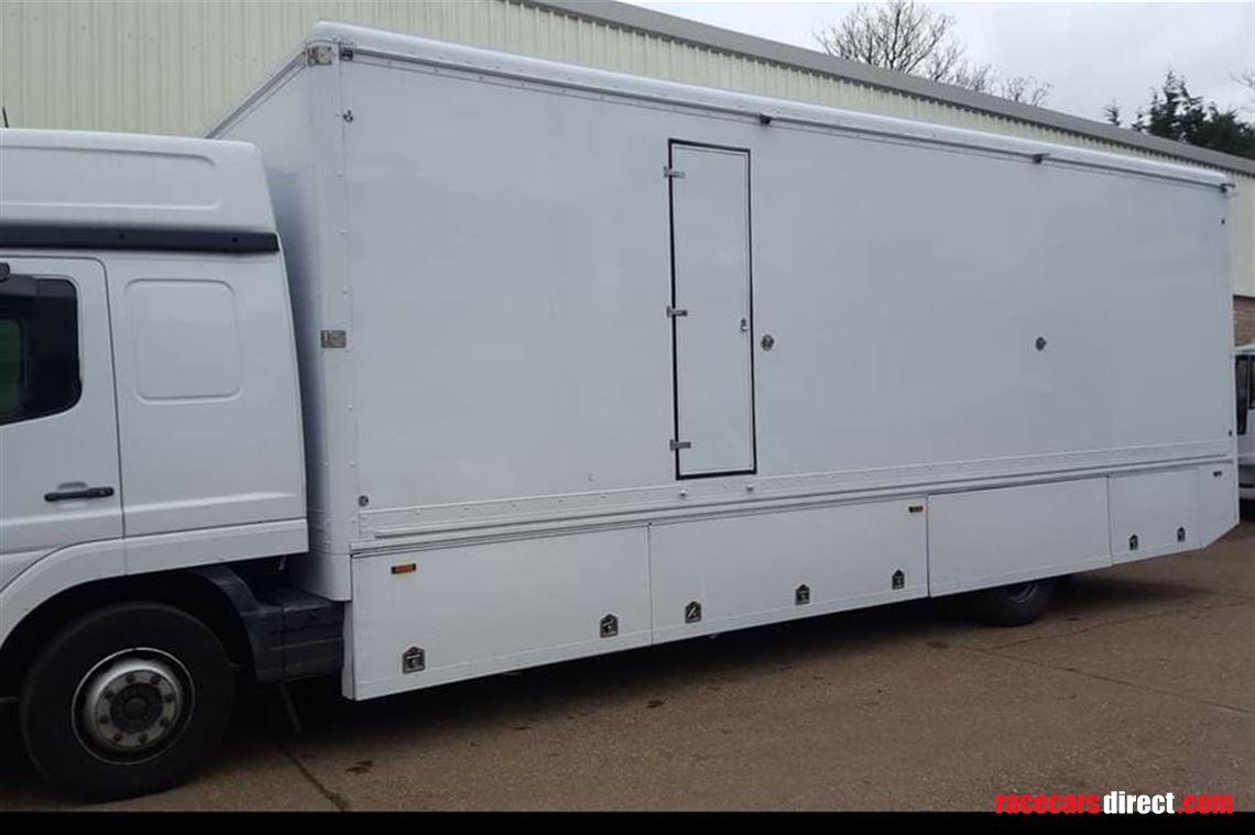 15t-mercedes-race-truck-with-21m-gh-awning