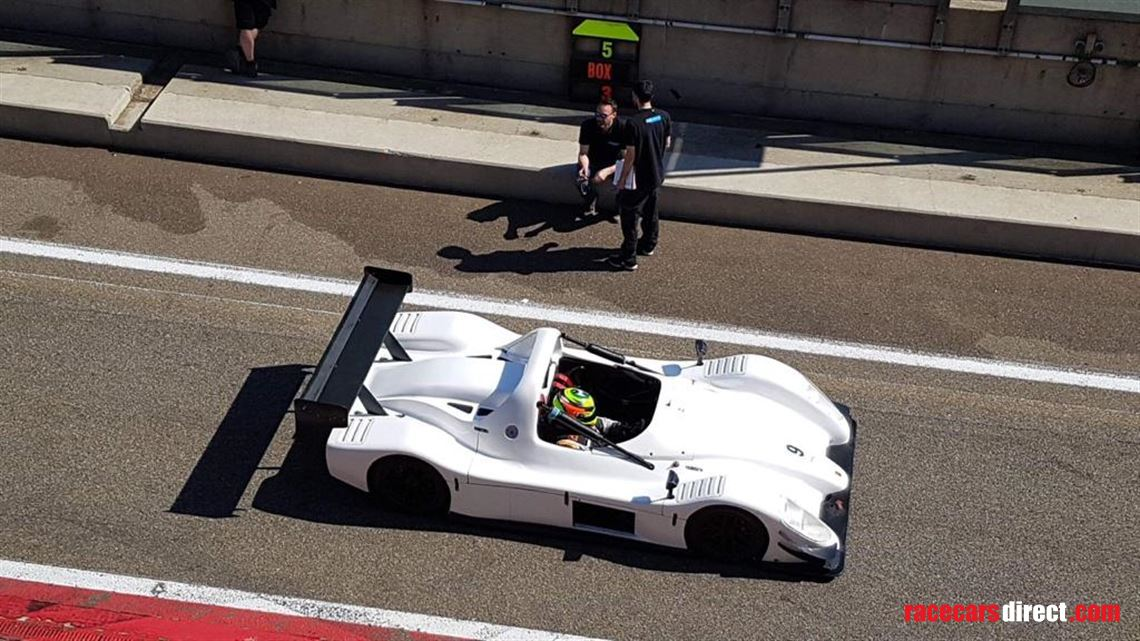 radical-sr8-lm-2011-full-package