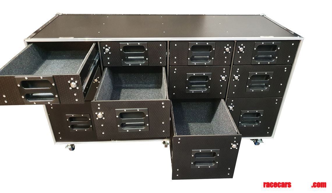 flight-case-roll-cabinet-with-lockable-draws