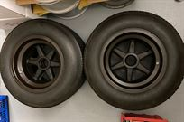 ford-gt-40-wheels-with-dunlop-tires