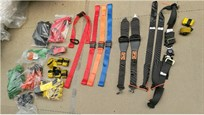 Extractable seat harness, harness, buckles, belts