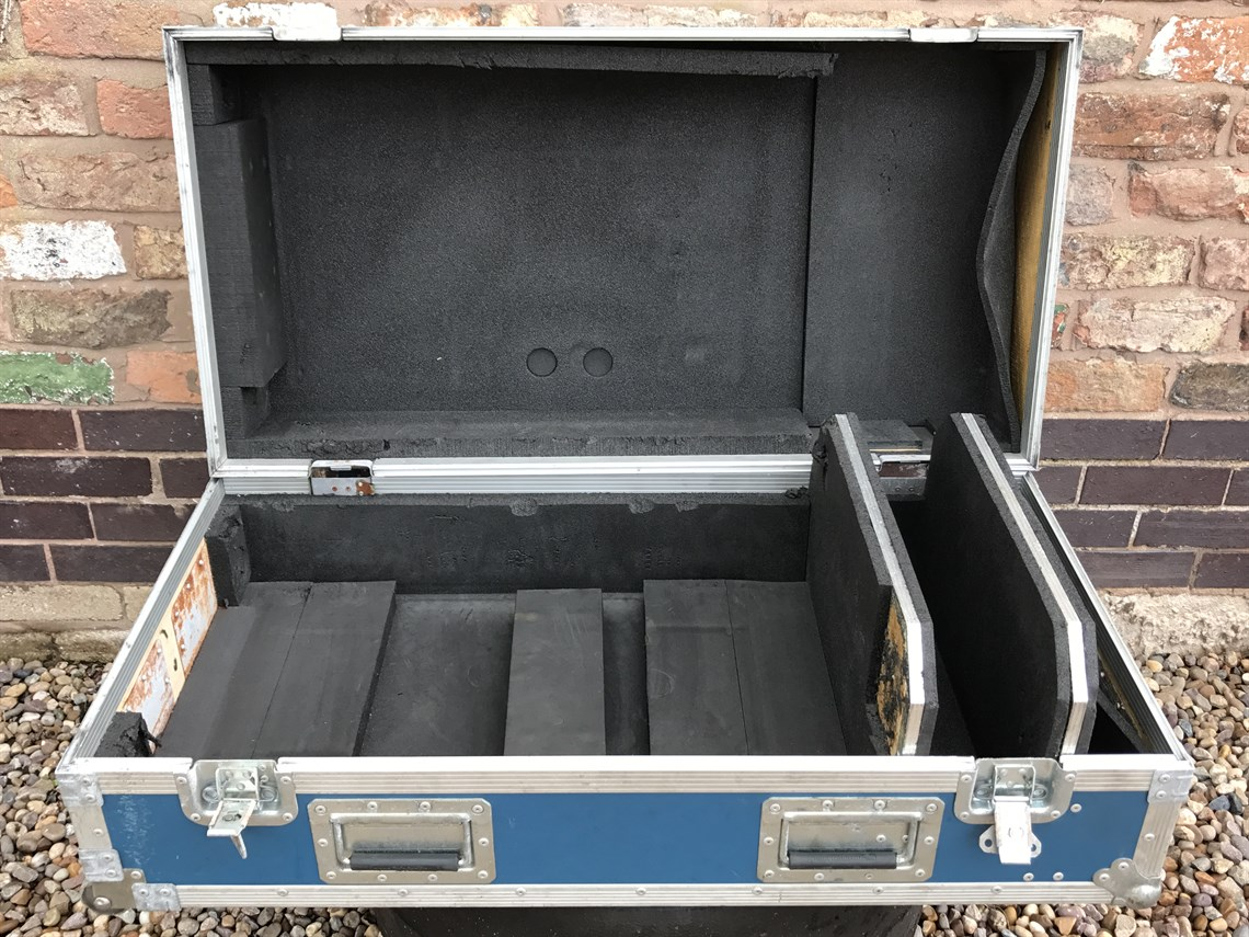 travel-case-for-brawn-gp-f1-racing-suspension