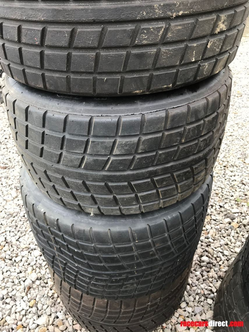avon-wet-sports-car-tyres