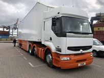 renault-tractor-unit-and-race-truck
