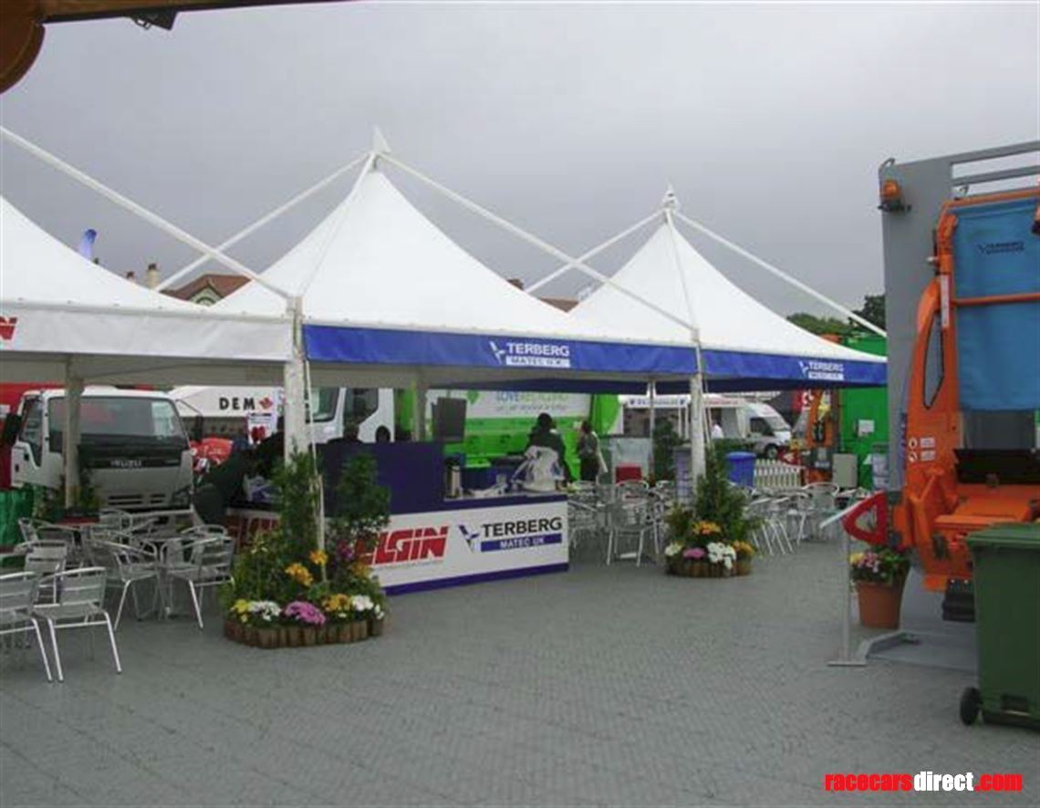 pit-garage-awning-flooring