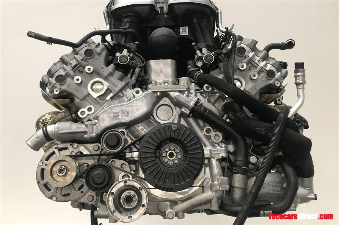 V10 Motor